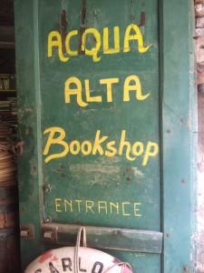 Acqua Alta Bookshop entrance